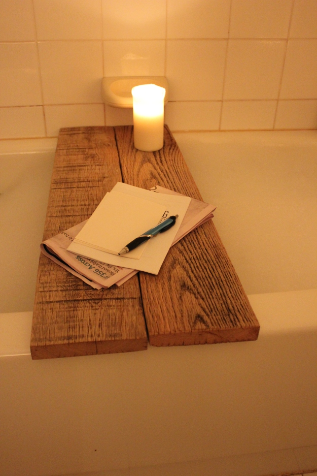 diy reclaimed oak bathtub caddy