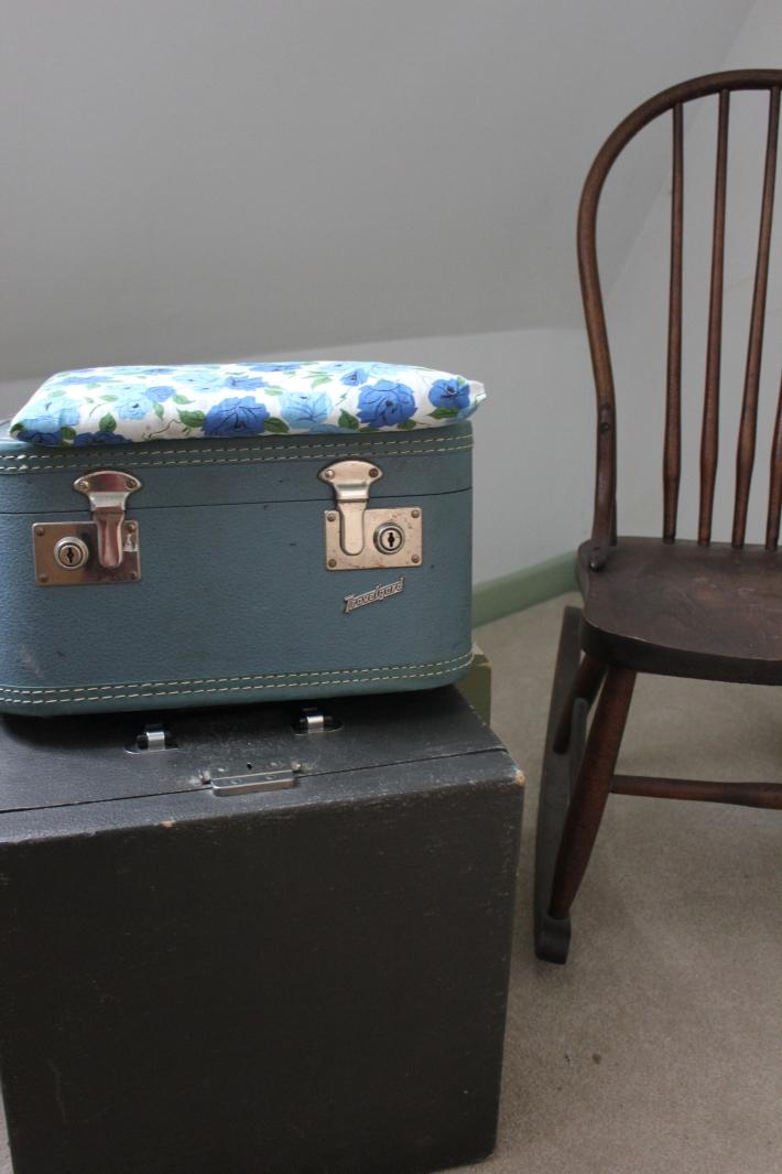 vintage typewriter suitcase